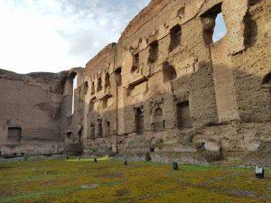 La parete nord della piscina delle terme di Caracalla